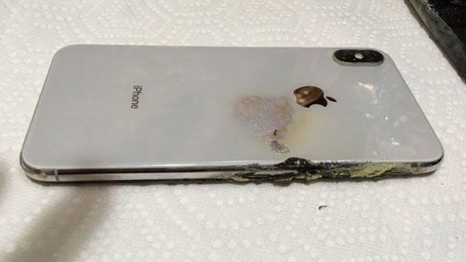 iPhone XS Max'in Patladığına Yönelik İddia